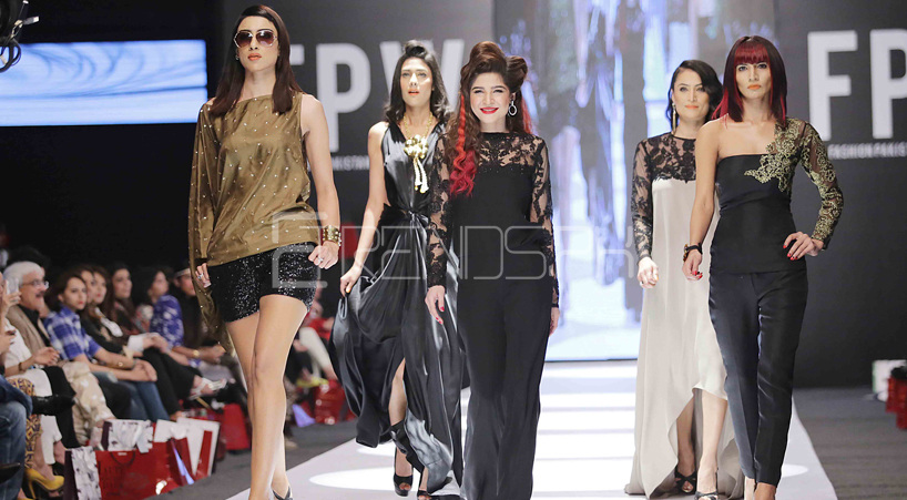 Fashion Pakistan Week Day 2 (Pictures) and Overview
