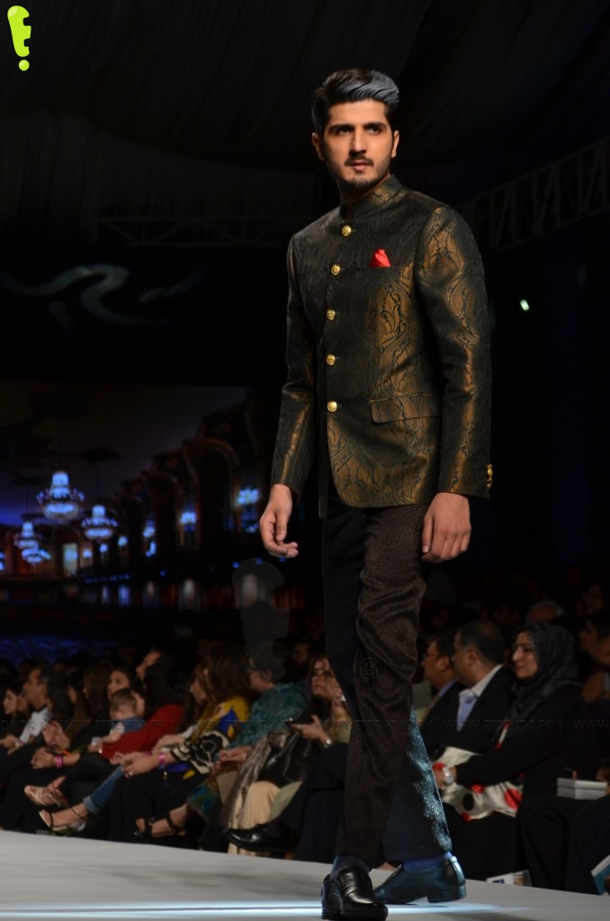 articles on fashion industry of pakistan