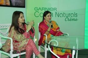 Garnier Local Spokesperson Juggun Kazim and Salon Expert Shabana Anwar at the Garnier Mohalla Mela in Allama Iqbal Town_1024x683