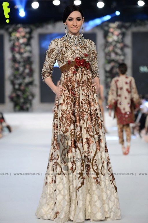 Sana Safinaz Collection at PFDC L'Oréal Paris Bridal Week ...
