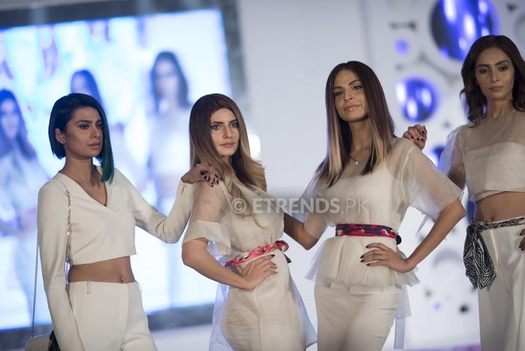 Fia, Farwa, Fouzia and Hira_1198x800