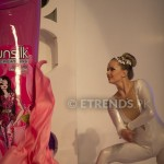 Vlada unveiling Sunsilk Fashion Edition Bottle by Nomi Ansari_534x800