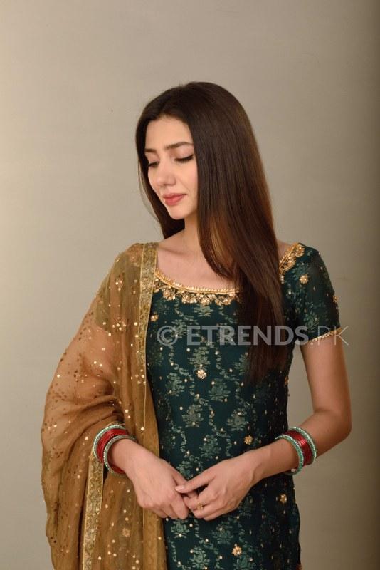 mahira-khan_534x800