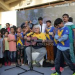 Children singing along with Khalid Anam (4)_1280x853