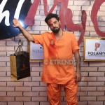 Yasir Hussain with his best dressed gift hamper_1280x853